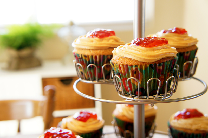 Peanut Butter Cupcakes with Peanut Butter Frosting and Jelly | Unruly ...